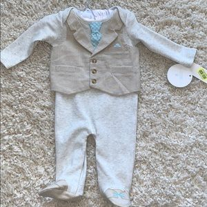 NWT Edgehill Collection baby suit for 3 month old